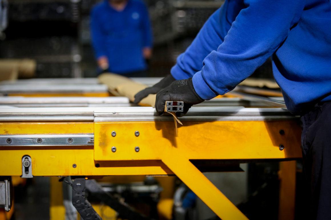 imballo personalizzato produzione profili in alluminio su disegno alluminio sammarinese